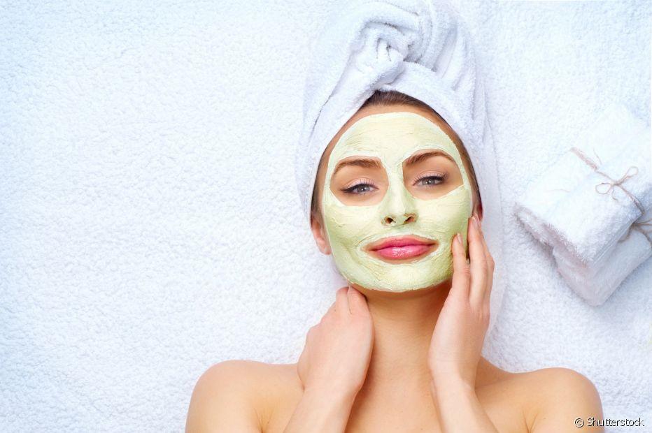 A argila verde é muito usada em tratamentos faciais por causa de seus benefícios