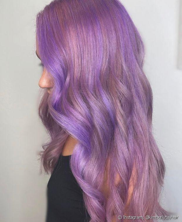 O cabelo roxo já fazia sucesso antes e, agora que o Ultra Violet foi eleito a cor de 2018, vai continuar bombando