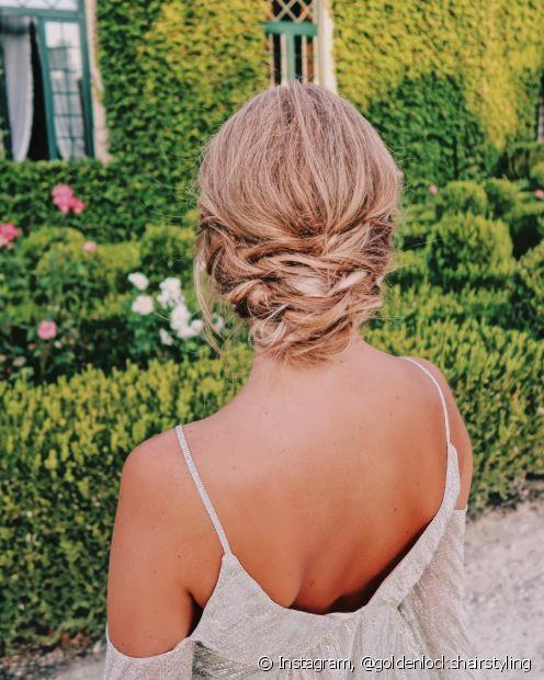 Esqueça as famosas rosquinhas e faça diferente com os coques desconstruídos que dão um look despojado e estiloso ao cabelo