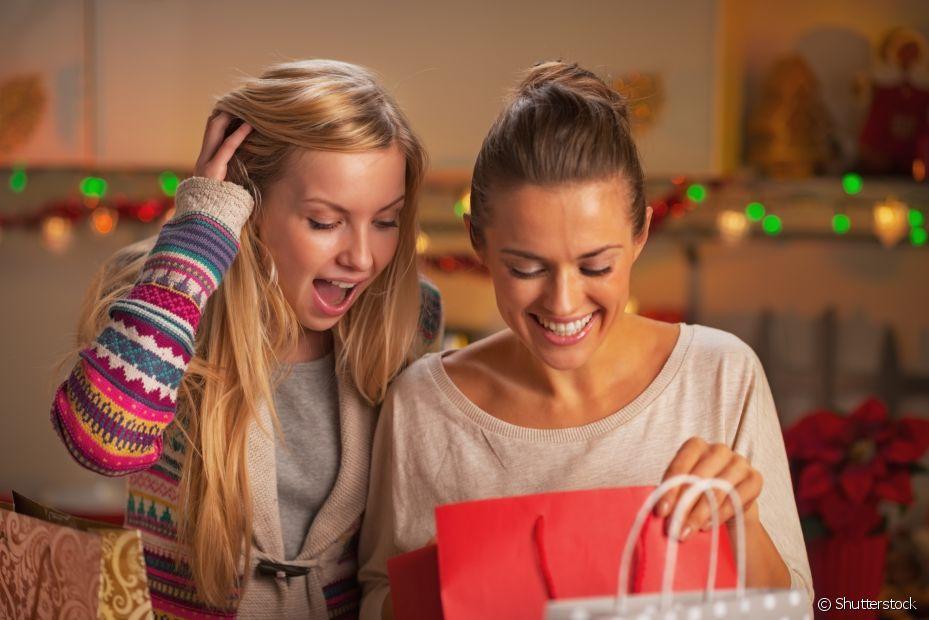 É normal dar um presente incrível e ganhar um que você não goste muito