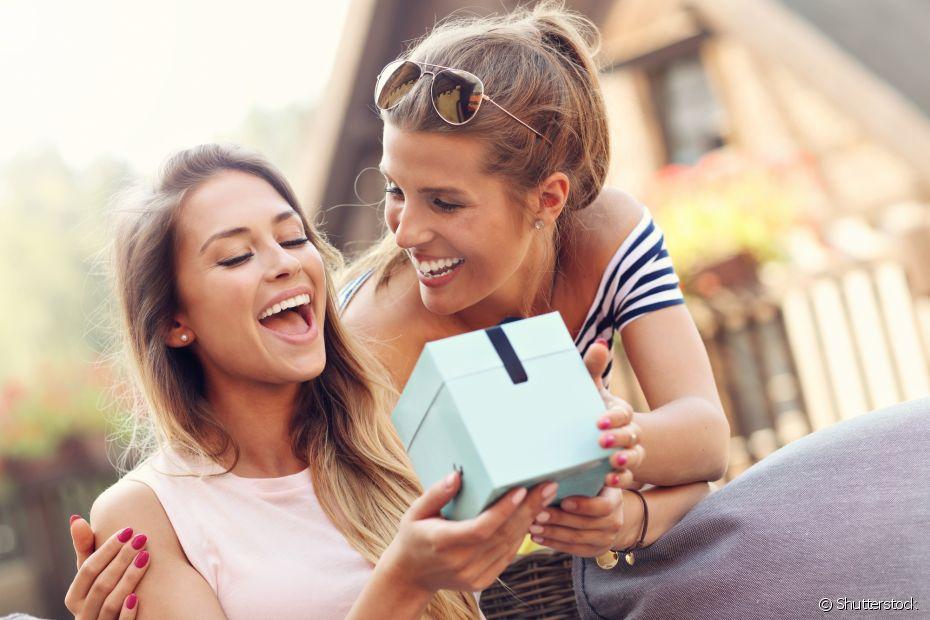 O amigo-oculto é uma tradição de fim de ano entre amigos e parentes