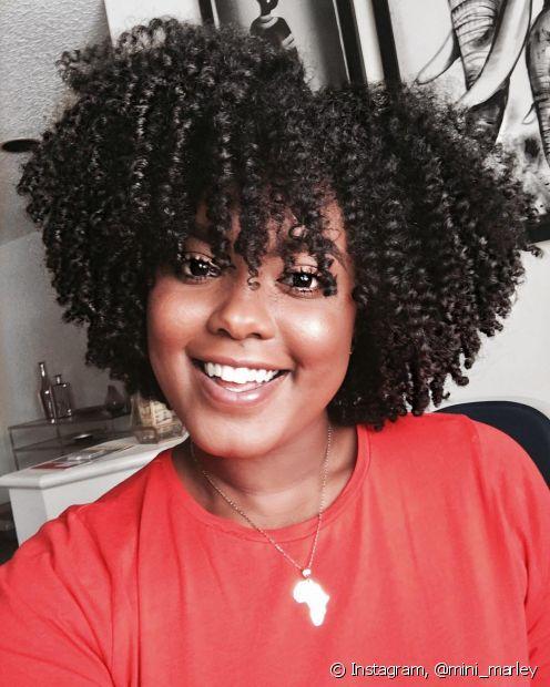 Evitar os cortes de cabelo com franjas vai diminuir as acnes na testa