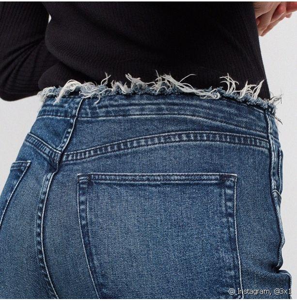 Você pode escolher desfiar a barra do cós do seu jeans para um look ousado e diferente