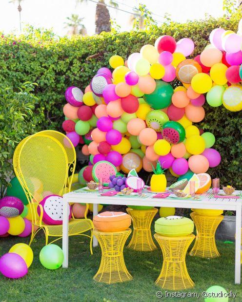 Use balões para uma decoração simples e barata