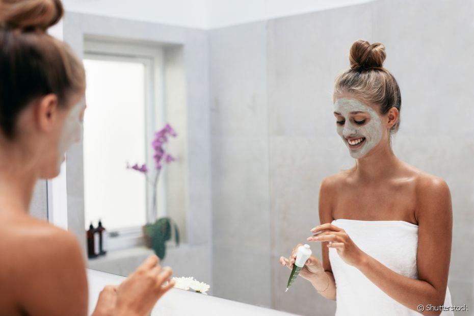 A máscara de argila é ótima para cuidar do rosto
