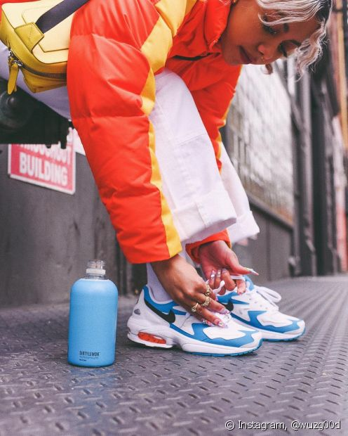 O dad sneakers sempre foi um calçado considerado masculino nos anos 80, mas virou o queridinhos de várias divas (Foto Instagram: @wuzg00d)