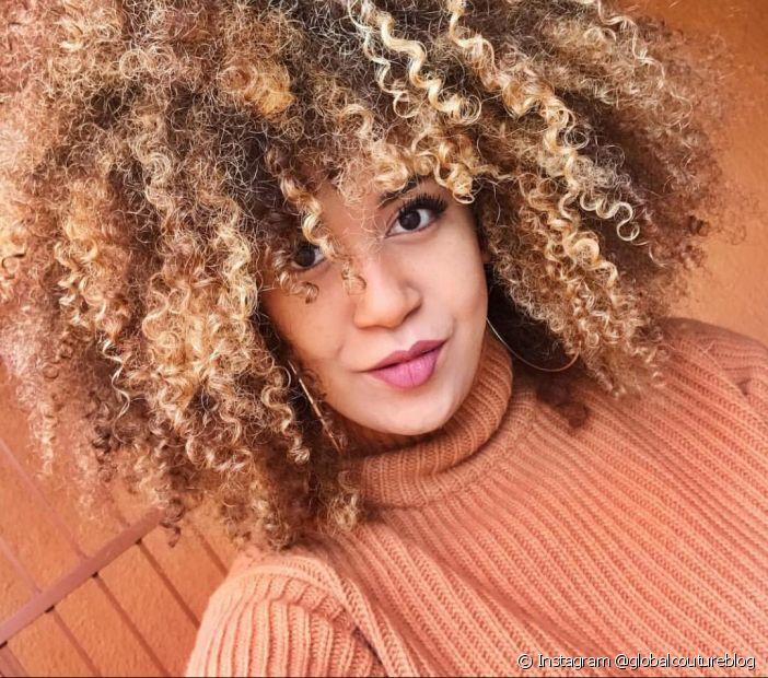O cronograma capilar para cabelos crespo deixa os fios mais brilhantes e saudáveis (Foto: Instagram @globalcoutureblog)