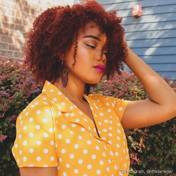 Além da cor de cabelo acaju tradicional, você pode apostar no acaju acobreado (Foto: Instagram @imadamejay)