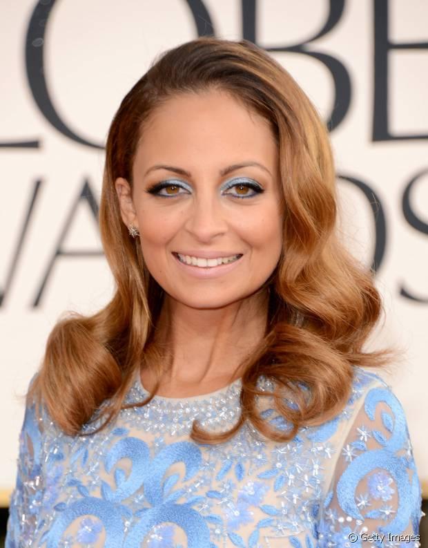 Nicole Richie também já apostou no penteado com ondas retrô