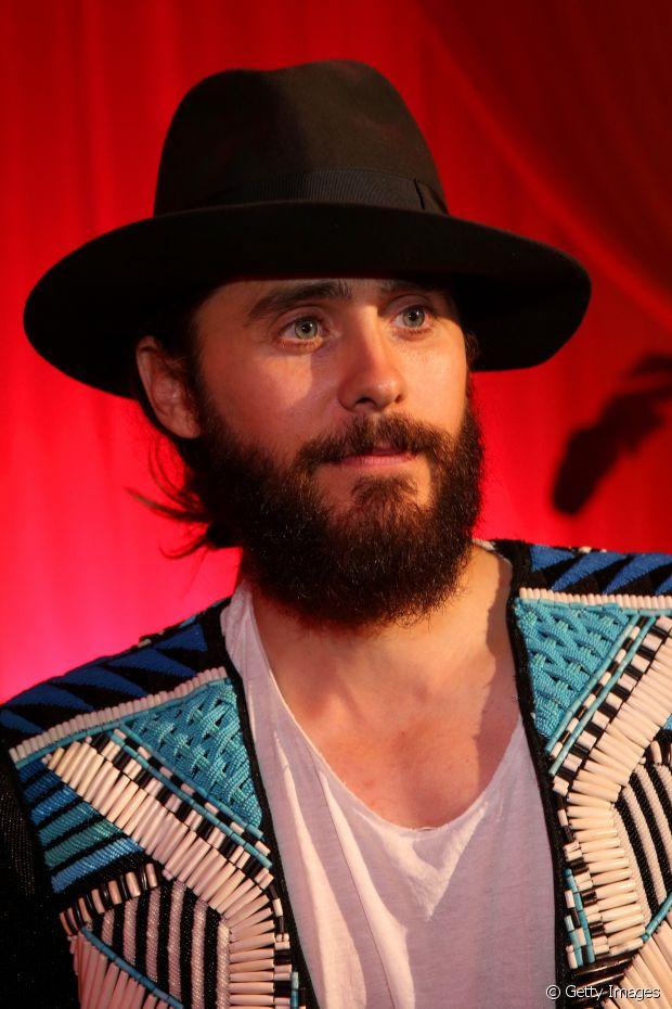 O bonitão do 30 Seconds to Mars, Jared Leto, também já curtiu a tendência dos coquinhos
