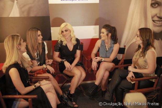 Flávia Alessandra e o Time de Divas conversam sobre um dos assuntos preferidos das mulheres: cabelos!