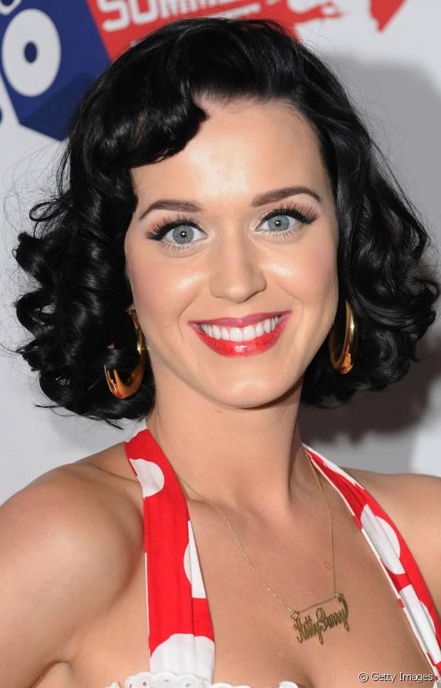 Katy Perry tem referências pin-up para escolher seus visuais