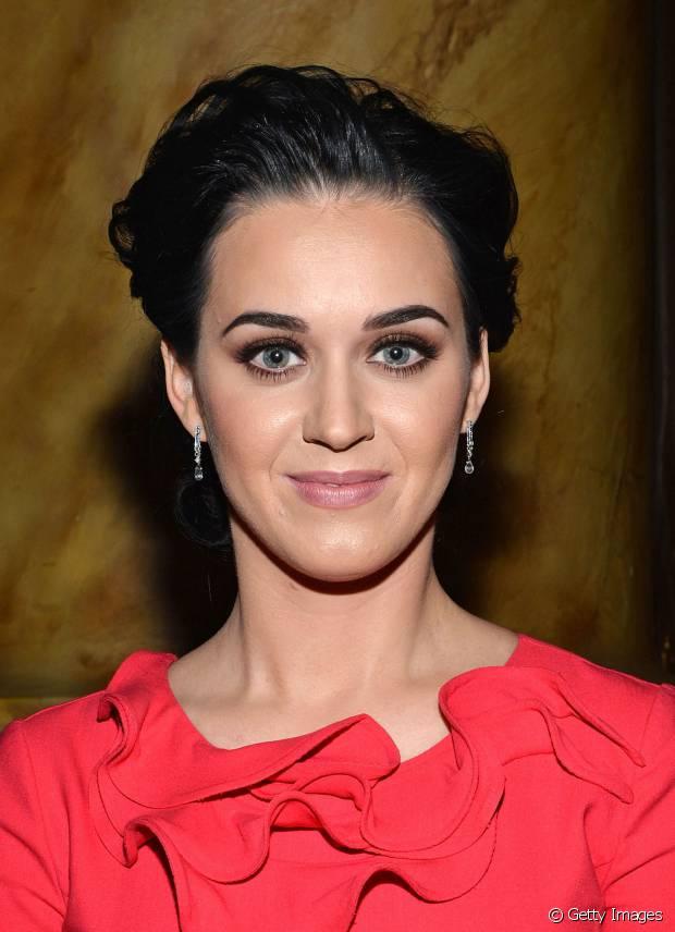 Katy Perry optou por um visual wet