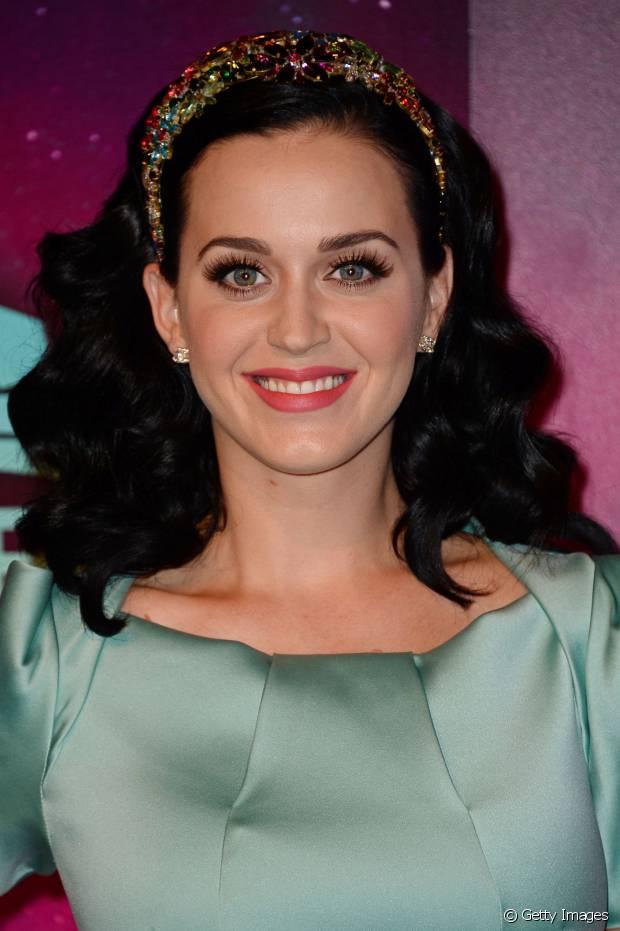 Katy Perry é fã de acessórios para incrementar o visual