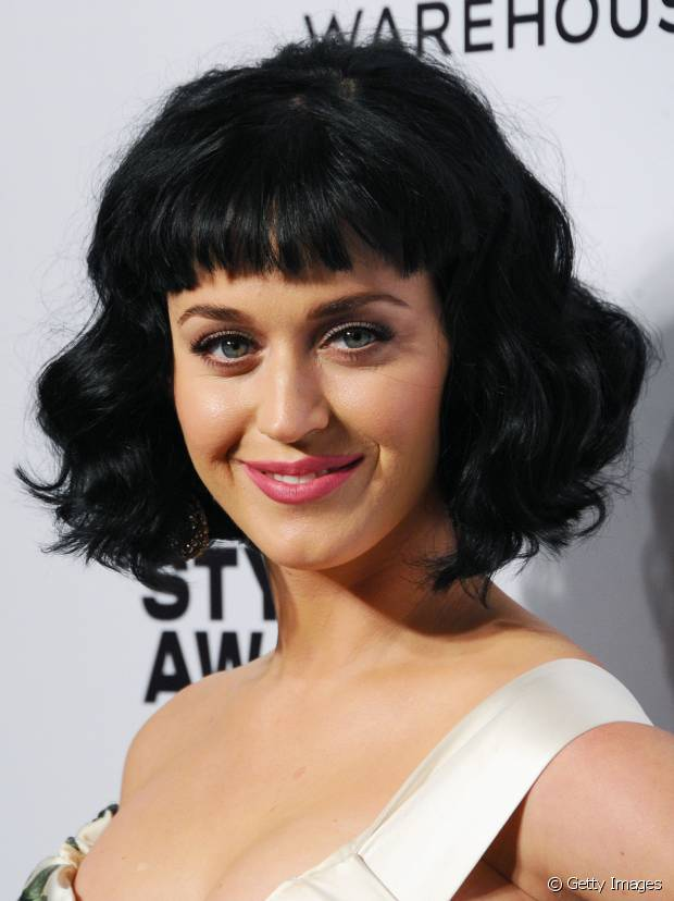Katy Perry tem referências pin-up na hora de compor o visual