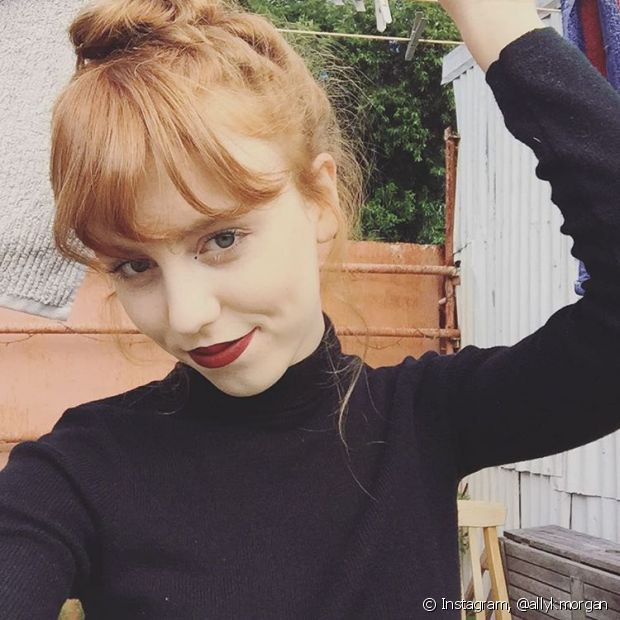 O truque, usando o próprio cabelo, já foi usado até pelas celebridades no tapete vermelho e é ótimo para dar uma noção de como você ficaria com o novo look