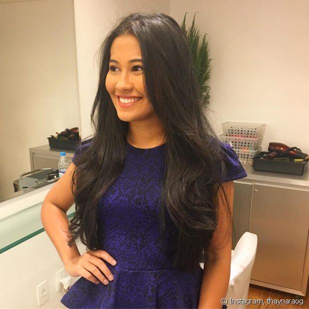 A nossa diva Thaynara OG topou o convite e, sim, ela cortou os longos cabelos pretos!