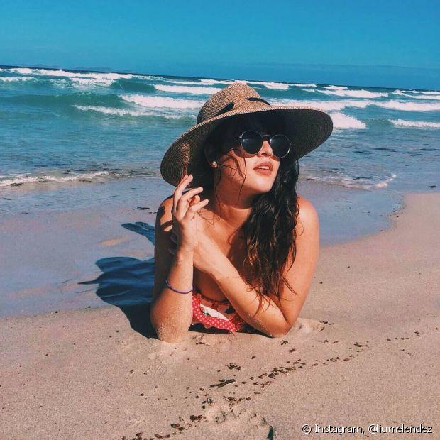 Os óleos também servem para proteger seus cabelos dos danos causados pelo sol, água do mar e piscina. Seu melhor amigo no verão!