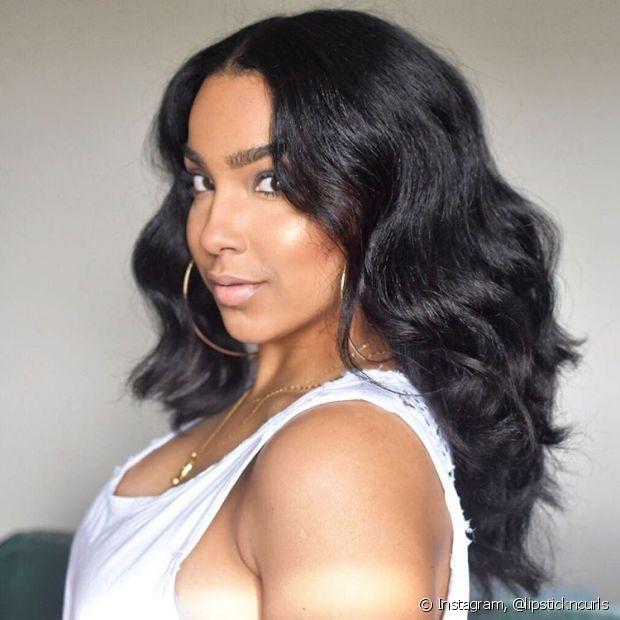 O cabelo fino é mais fácil de clarear que o médio e o grosso