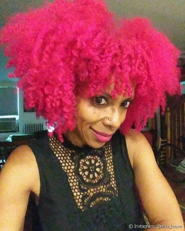 Black power colorido de rosa bem pink é para deixar bem evidente que você não tem medo de aparecer!