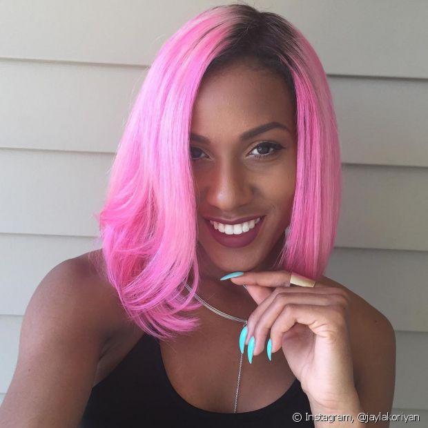 Se tiver coragem, você pode colorir o seu cabelo totalmente