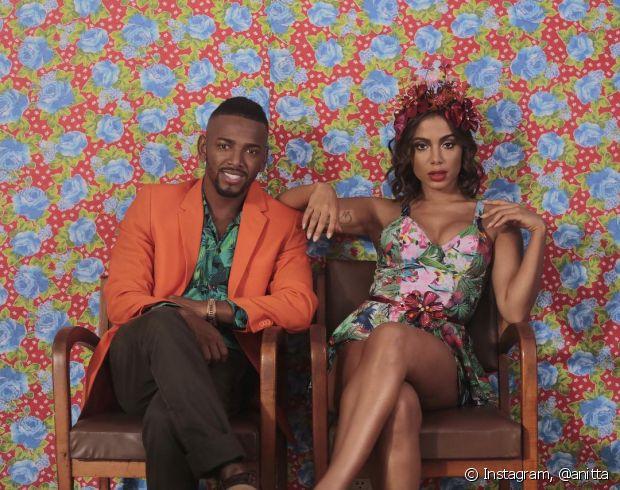 Na participação do clipe com Nego do Borel, Anitta apostou na sensualidade e no colorido das flores