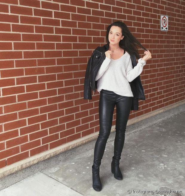 Para o visual de trabalho, aposte na calça legging preta