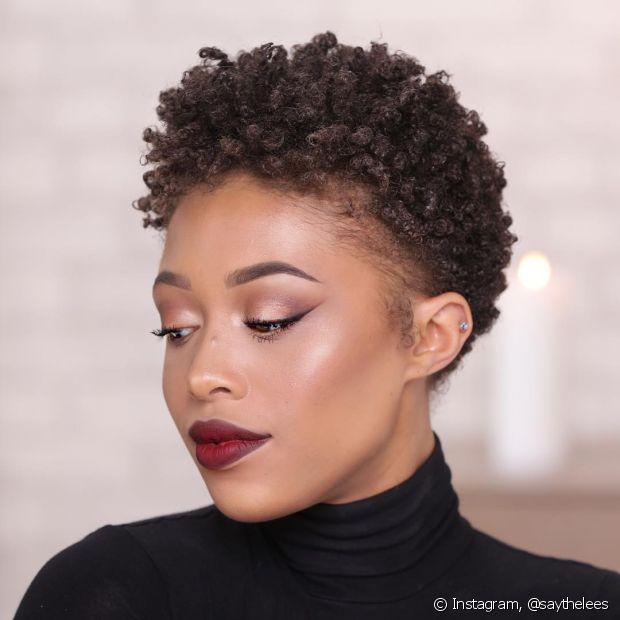 O cabelo crespo tem a mesma média de crescimento dos outros tipos de fios