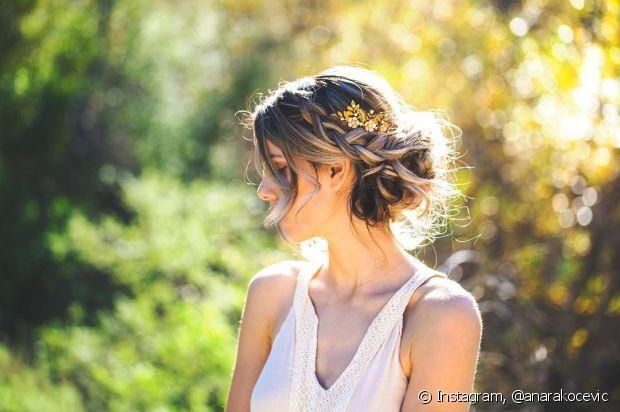 O coque é um penteado coringa para qualquer noiva