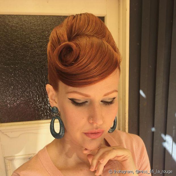 Além de lindo, o penteado retrô é diferente e elegante