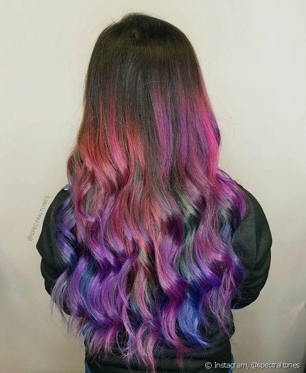 Que tal um ombré colorido e muito descolado para conseguir o cabelo unicórnio?