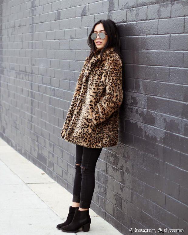 O casaco de pelo deixa o look de inverno mais quentinho e muito estiloso