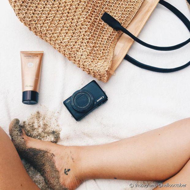 Já pensou em fazer uma minitatuagem na parte de dentro do tornozelo?