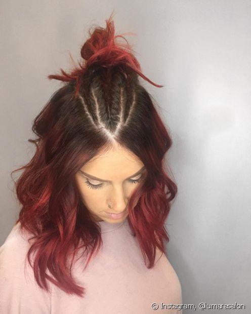 O ombré hair vermelho é uma boa aposta para um pouco de ousadia ao visual