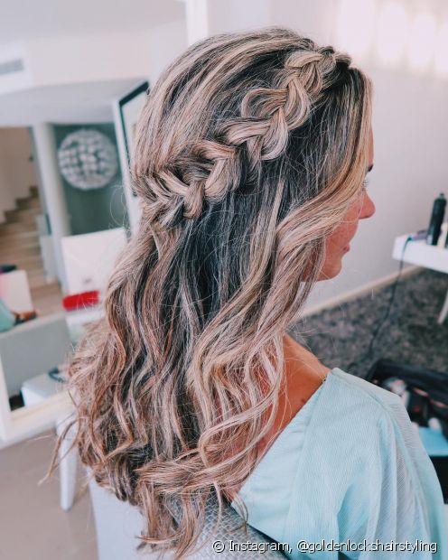 As tranças embutidas dão um charme a mais aos penteados semipresos