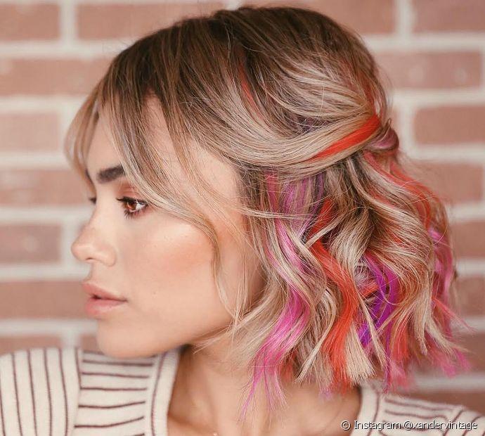 Os semipresos também são opções incríveis de penteados para cabelos curtos para casamento no verão. (Foto: Instagram @xandervintage)