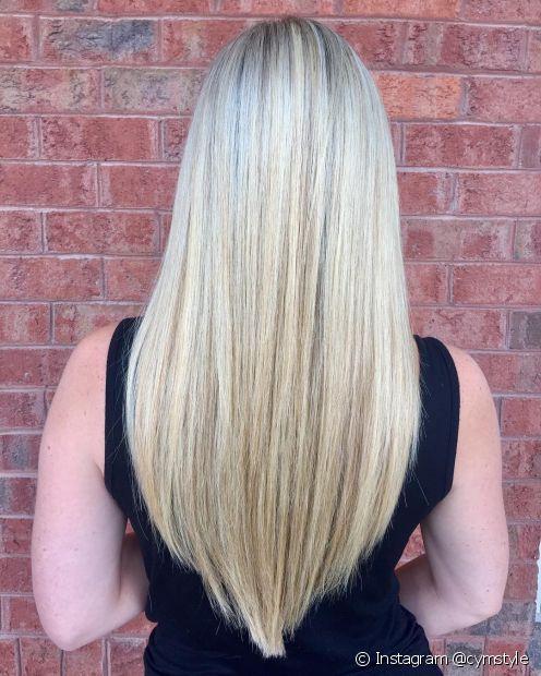 O corte em V tradicional é bem marcado e deixa os cabelos finos com um aspecto mais encorpado (Foto: Instagram @cymstyle)