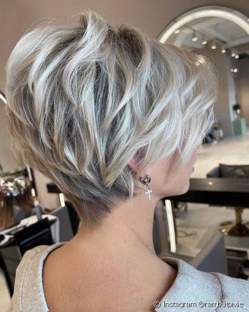O corte de cabelo em V curto é perfeito para quem não tem medo de ousar (Foto: Instagram @rambutpixie)