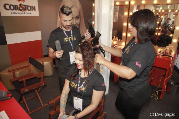 Dos 16 penteados disponíveis no stand Fique Diva no Rock in Rio, 12 são femininos e 4 masculinos
