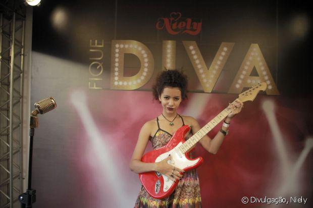 Você pode arrasar com sua performance em cima do palco Fique Diva e ainda levar um vídeo incrível da sua participação no stand