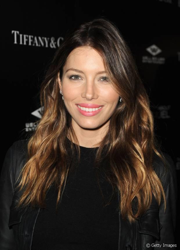 O ombré hair é ideal para mulheres que querem destacar as camadas dos fios