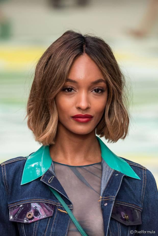 O frizz compromete o aspecto bonito de qualquer cabelo