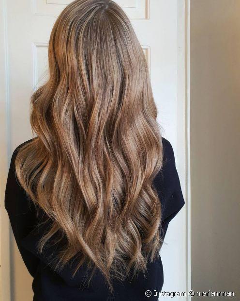 O cabelo longo precisa de cuidados especiais (Instagram @ mariannnan)