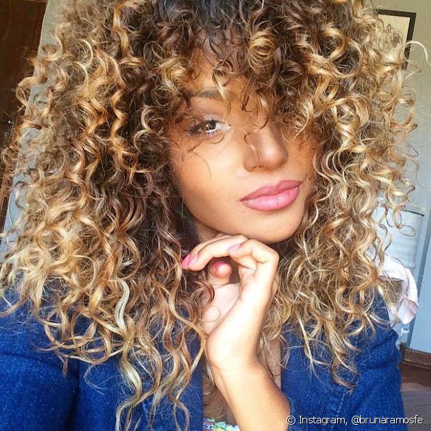 O mais importante antes de colorir ou descolorir é estar com o cabelo forte e saudável