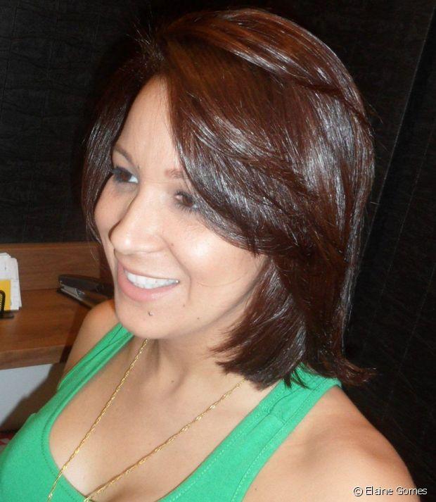 Elaine Gomes começou a alisar os cabelos com apenas 13 anos de idade. Só com 29 anos que ela tomou coragem de fazer a transição capilar e investir no Big Chop