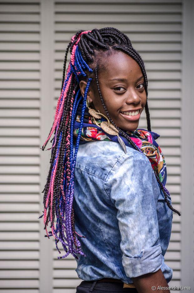 Carmen Lúcia é jornalista, blogueira e gosta de assuntos que envolvem o universo da beleza negra!