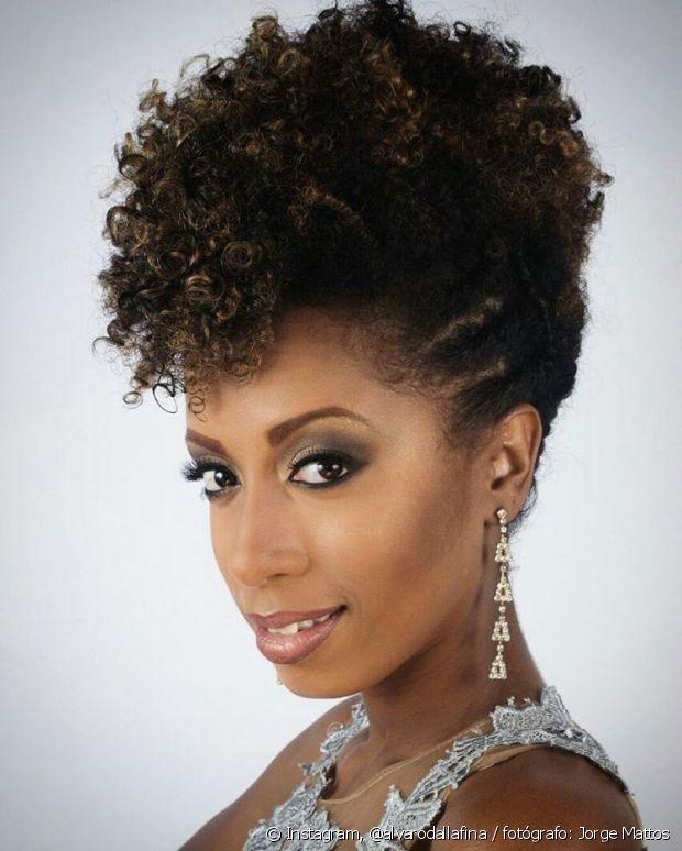 O moicano é um dos preferidos das meninas de cabelo afro e é um arraso!