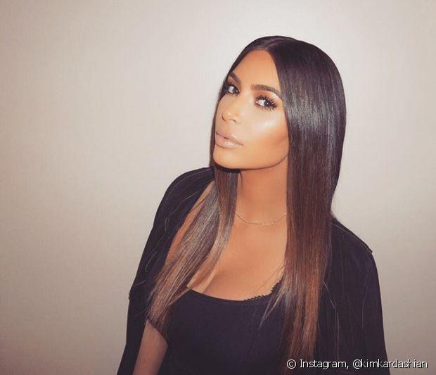 O cabelo comprido aos 30 anos dá um ar mais jovial à mulher