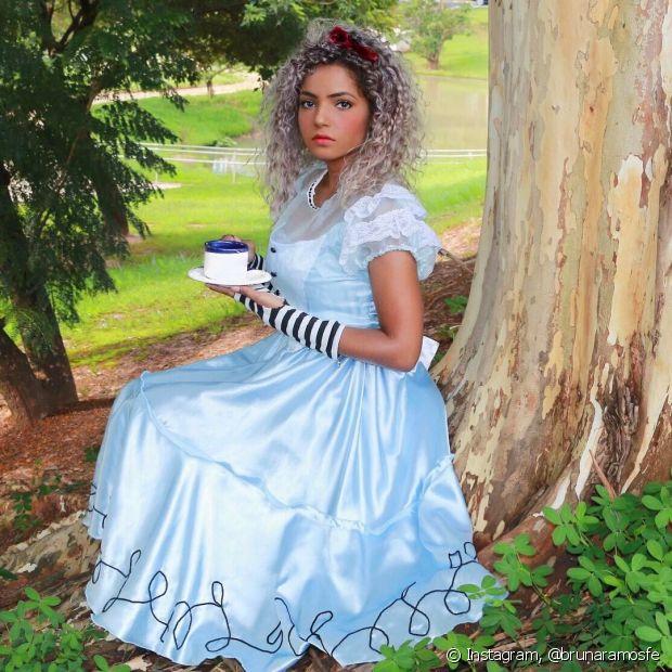 Bruna Ramos também viajou até o País das Maravilhas e arrasou de Alice!