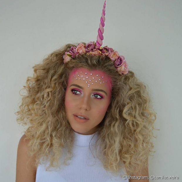 A fantasia de unicórnio foi uma das sensações desse Carnaval e a Camila Vieira fez essa make linda para compor o visual